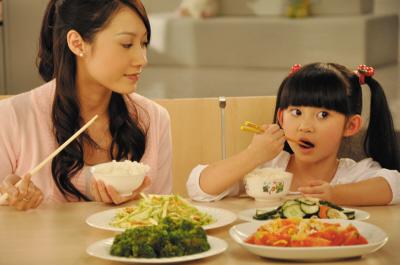 吃飯不對有隱患?5種吃飯方式極易引發胃癌