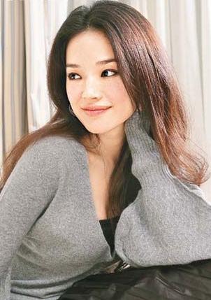 黃曉明、楊穎被爆即將10月份上海舉辦婚禮,張曼玉玩音樂重要的是她的態度,陳柏霖與陳庭萱疑戀情曝光