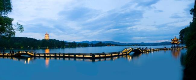 杭州遇西湖
