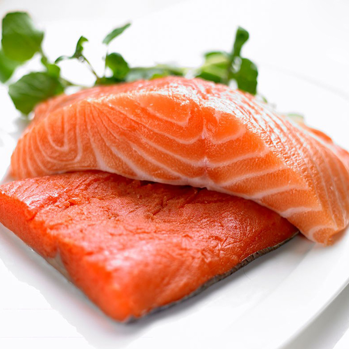美味三文魚生吃更健康