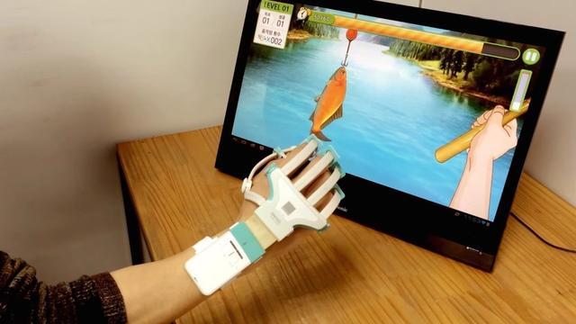 智能手套讓你克服生理障礙