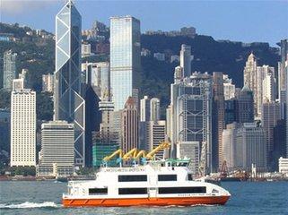 香港必須加快經濟結構的實體化