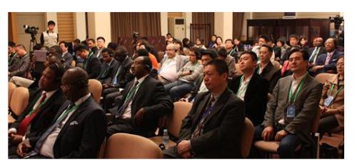 """""""非洲是中國的老朋友,近年來,中非經貿合作日益擴大"""""""