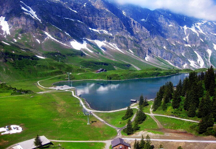 阿爾卑斯山看雪景