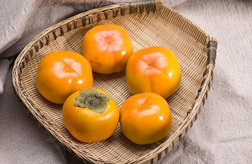 秋吃柿子要注意
