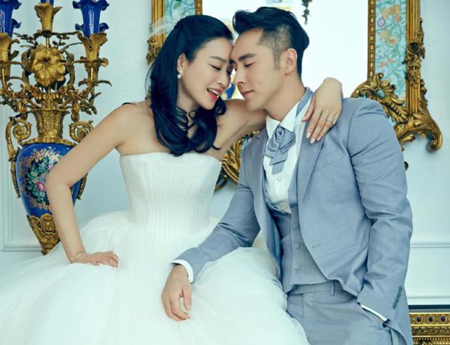 鐘麗緹與張倫碩結婚像童話