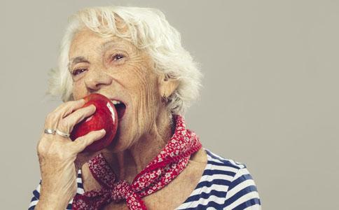 口腔衛生是社交的重要關卡