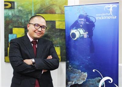 印尼旅遊部秘書長庫斯瓦表示希望通過加強兩國遊客的互訪來增進友誼