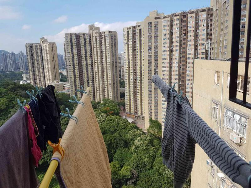 本港房屋租金跳水過半