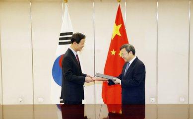 """中澳、中韓自貿協定在當地掀起了""""中國熱"""""""