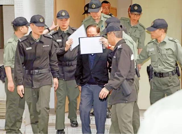 前特首曾蔭權今日收押 家人表示會上訴