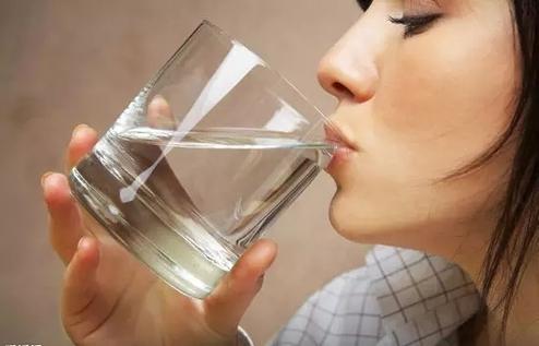 多喝水不如正確喝水