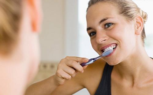 走出洗牙的錯誤認識