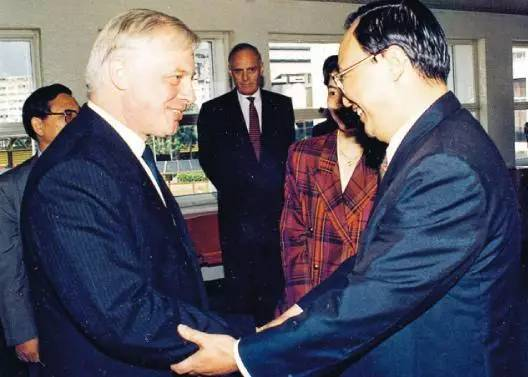 """""""一國兩制""""的初衷就是要保持香港長期繁榮穩定"""