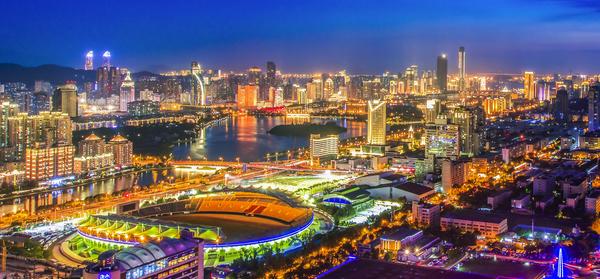 """""""一帶一路""""建設是香港經濟發展新引擎"""