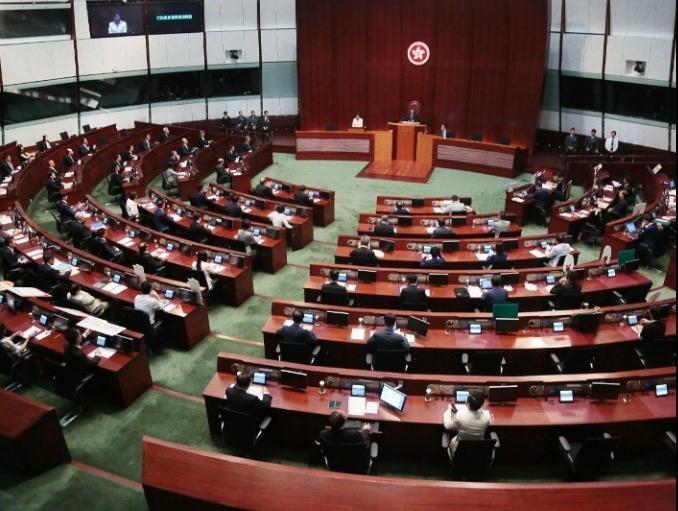 香港將進入機遇和挑戰並存的時期