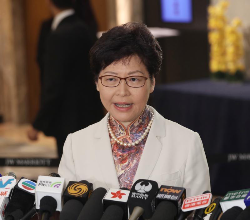 香港背靠強大祖國有著很大的發展機遇