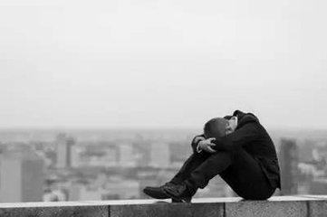 美國一些氯胺酮生產商及美國精神醫學學會都在號召開展嚴格監管