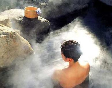 冬季泡溫泉好處多