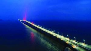 港珠澳大橋或下季通車