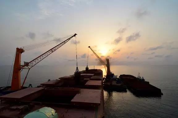 中國將建造30萬噸世界最大的浮動船塢