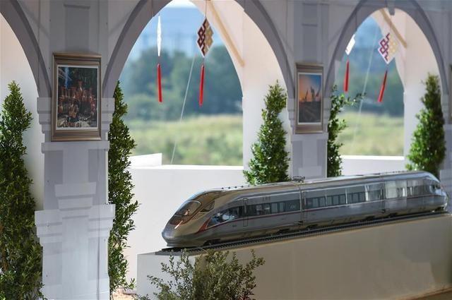 """中國鐵路""""走出去""""的使命就是為世界鋪一條""""路"""""""