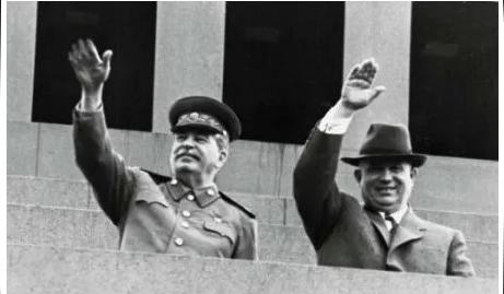 """紅墻宮斗:斯大林的""""二把手""""馬林科夫為什么會輸給赫魯曉夫?"""