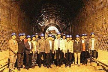 """中國智慧戰勝""""工程師的噩夢""""   北非最長隧道貫通"""