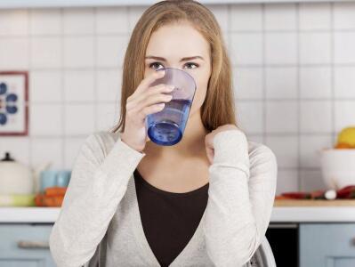 健康喝水:早上喝水有多健康