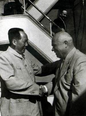赫魯曉夫質問毛澤東:老大哥為何不能批評你們?