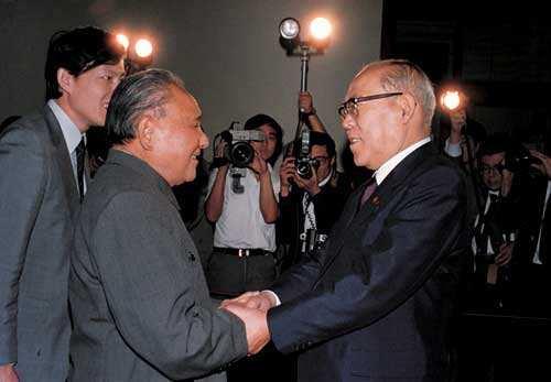 """1988年鄧小平向日本首相竹下登要什麽大""""禮物""""?"""