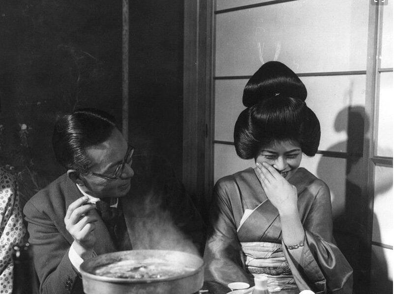 日本竟有慰安夫:美國女兵為何需要慰安?