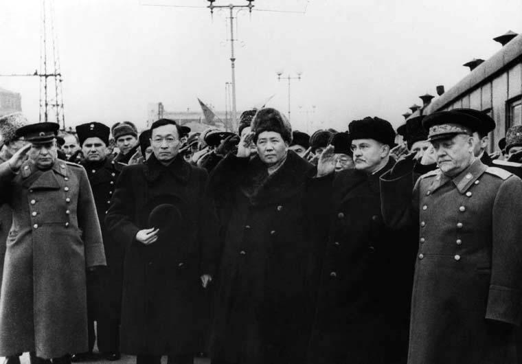 """毛澤東首次訪蘇:拍桌罵人被""""軟禁"""" 蘿卜白菜換轎車"""