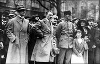 """""""金錢沒有祖國"""":希特勒上台竟是華爾街的功勞"""
