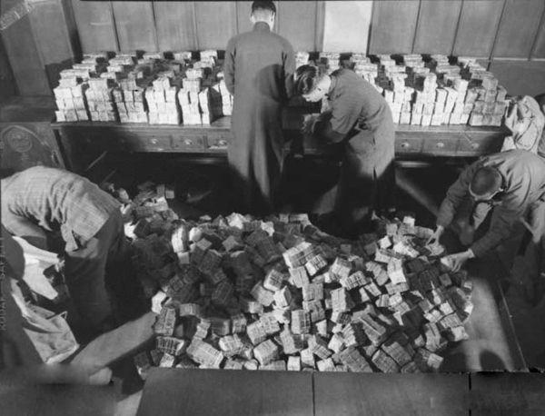 國民黨有多少錢:蔣介石從大陸帶來277萬兩黃金