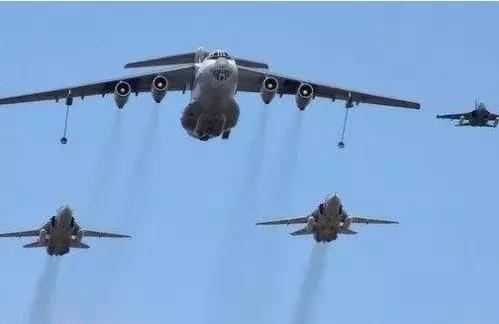 此國不顧美俄的警告,向中國出售重型戰機,填補中國空軍一大空白