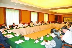 澳門代表為重慶經濟社會發展建言獻策:由重工業走向科技