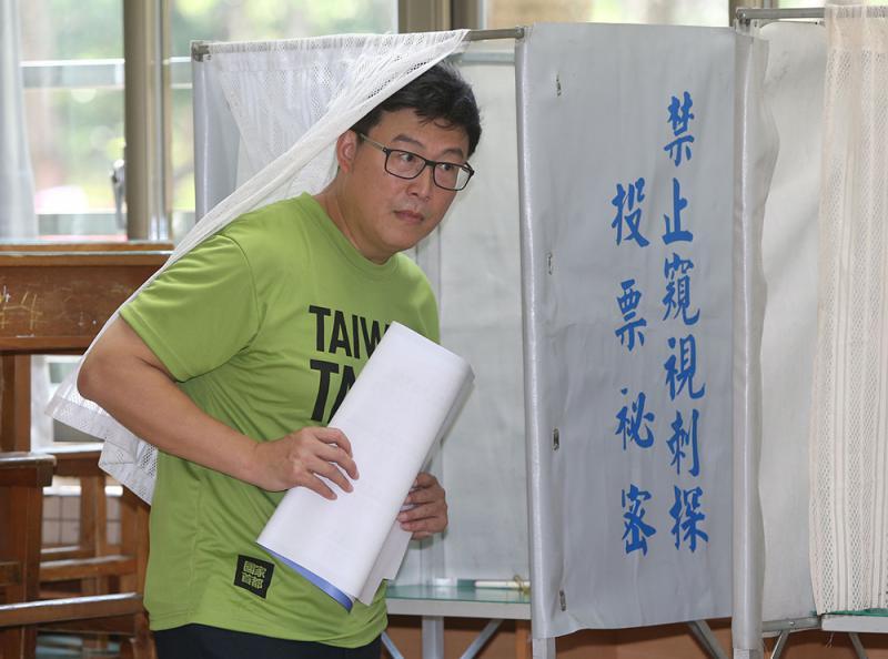 姚文智角逐台北 藍營疑綠營假提名